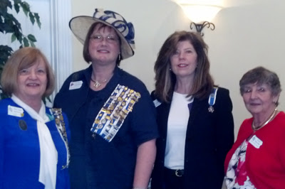regent with Valley Forge DAR members